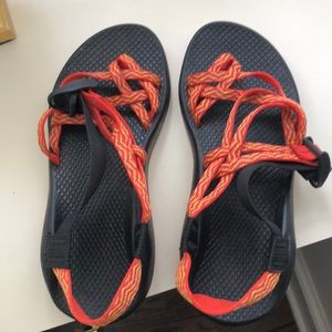 Chaco women's size 7- excellent used condition!